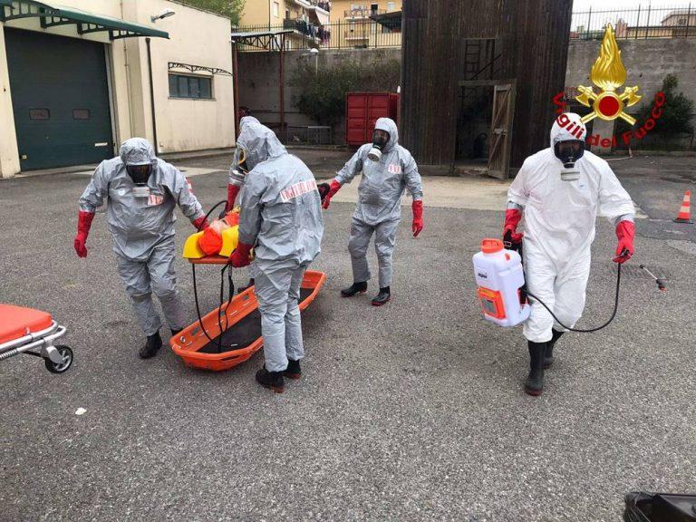 Recupero di persone contaminate, l'esercitazione dei Vigili del fuoco di Vibo – Foto