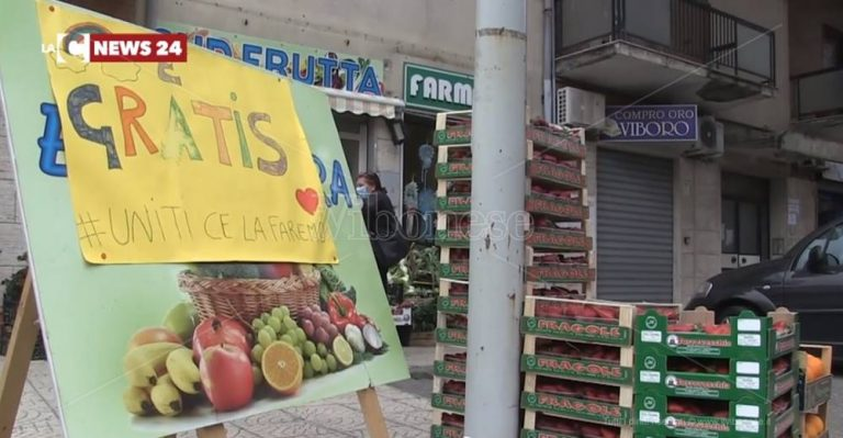 Solidarietà, a Vibo frutta e verdura gratis per i bisognosi – Video