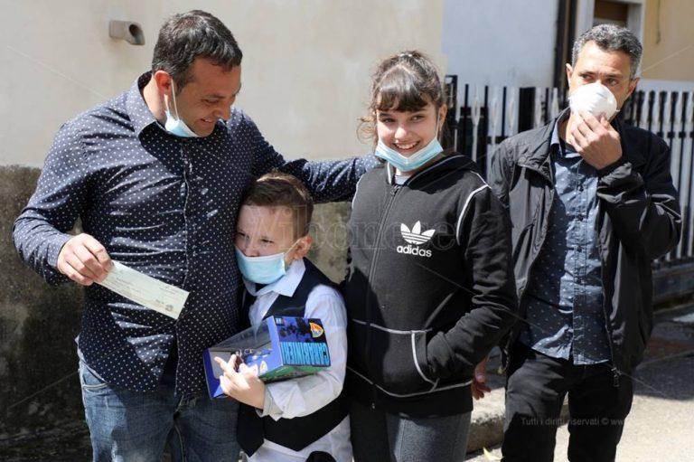 Papà Giacomo e i suoi bambini, il lieto fine della storia che ha commosso tutti – Video