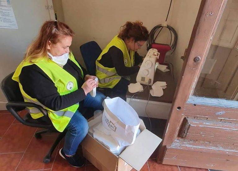 Quattro Comuni vibonesi realizzano mascherine e ne donano 1400 alla Prefettura