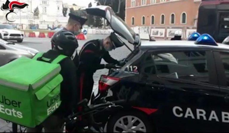 """Indagine sul caporalato, carabinieri ascoltano mille """"riders"""""""