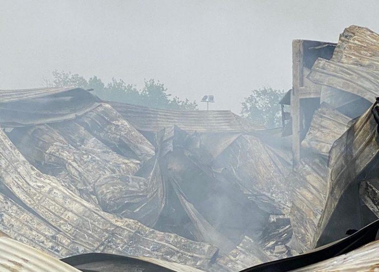 Stabilimento della 'nduja distrutto a Spilinga, rischio esalazioni