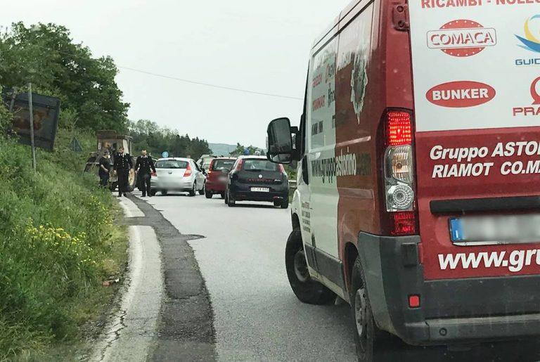 Incidente stradale nei pressi di Vallelonga, due feriti