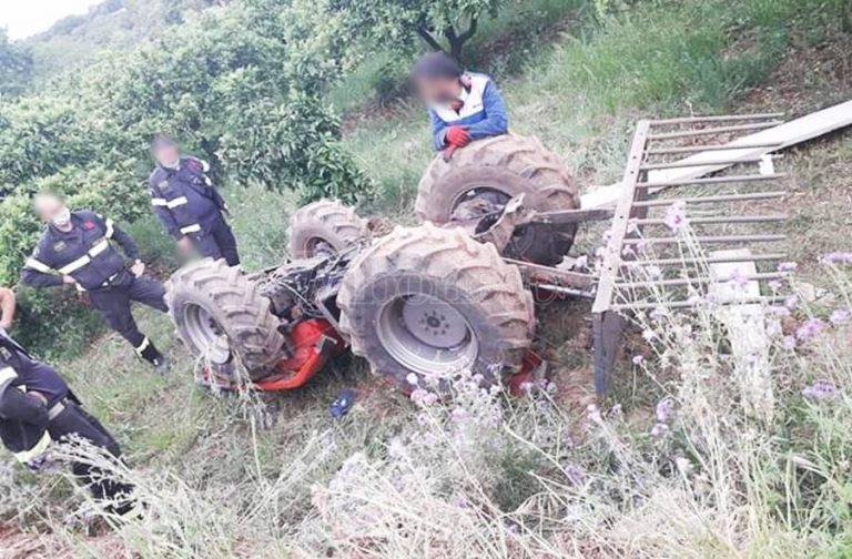 Francavilla Angitola, si ribalta un trattore: conducente in elisoccorso a Catanzaro