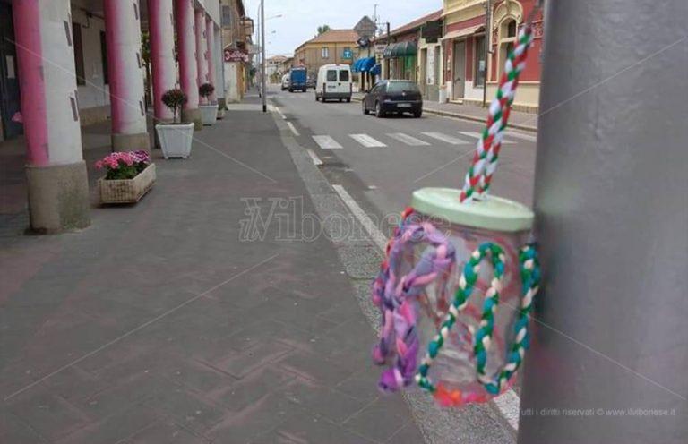 L'idea di uno studente d'arte di Mileto: posacenere creativi per non sporcare la città
