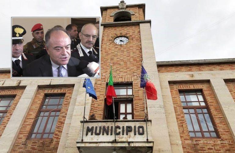 Il corsivo | La cittadinanza a Gratteri e la politica vibonese senza vergogna