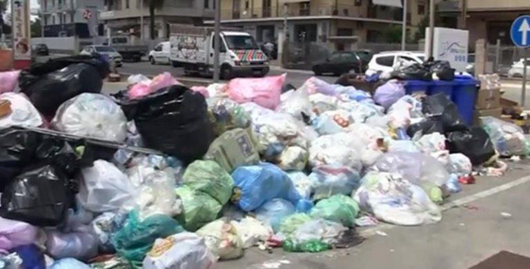 Vibo e le frazioni sommerse dalla spazzatura – Video