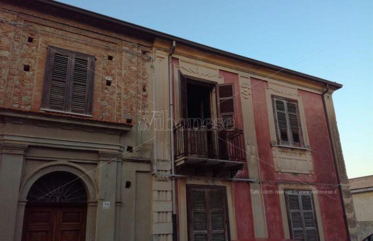 Pensionata ritrovata morta in casa a Mileto, sul posto il medico legale