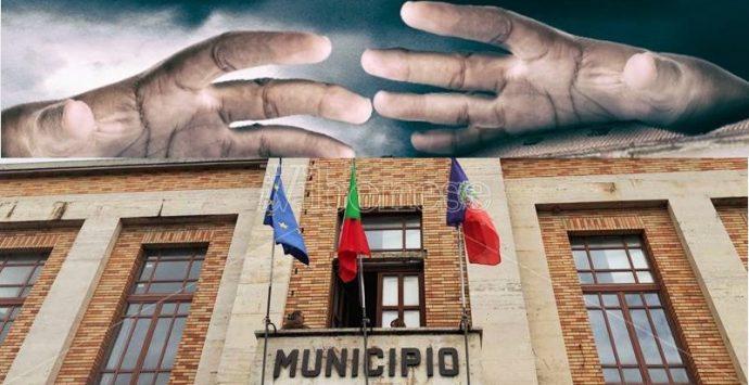 Comune di Vibo e antimafia: fra slogan, silenzi e applausi interessati per Gratteri