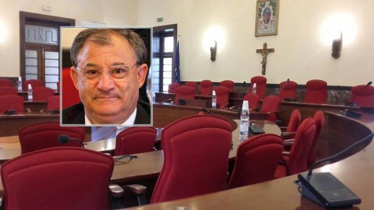 Comune di Vibo, Alfredo Lo Bianco rinuncia alla reintegra e invita il sindaco a dimettersi