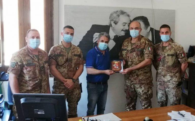 Nicotera, delegazione dell'Esercito in visita a Palazzo Convento