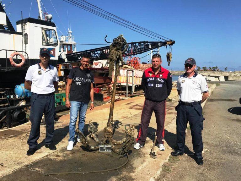 Ancora di fine '800 rinvenuta nelle acque del porto di Vibo Marina