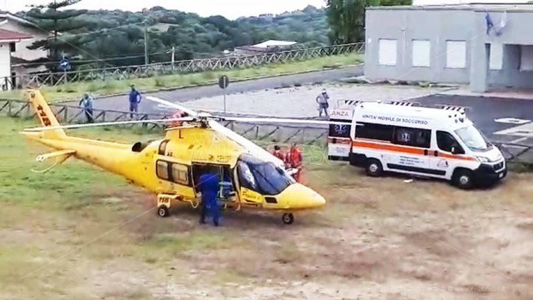 Limbadi, 42enne cade dal balcone: interviene l'elisoccorso – Video
