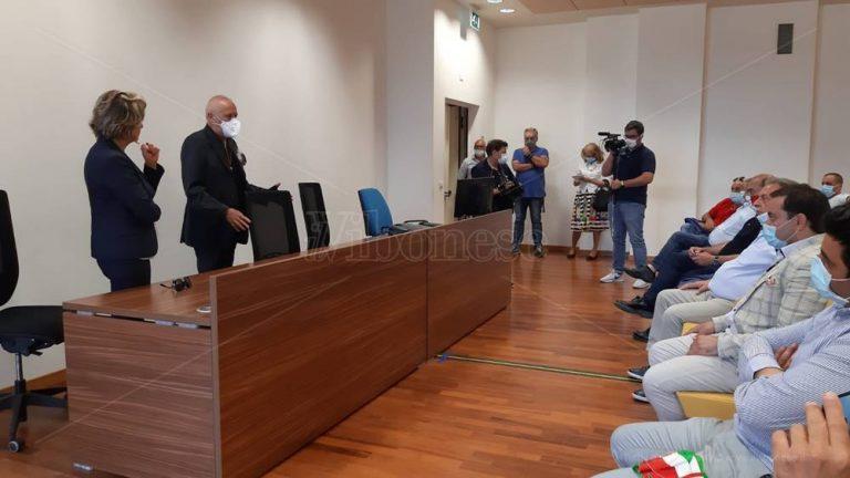 Rifiuti, la protesta dei sindaci vibonesi: «Non possiamo permetterci un'emergenza»