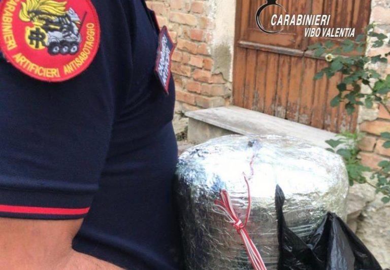 Ordigno esplosivo ritrovato dai carabinieri a Piscopio – Video