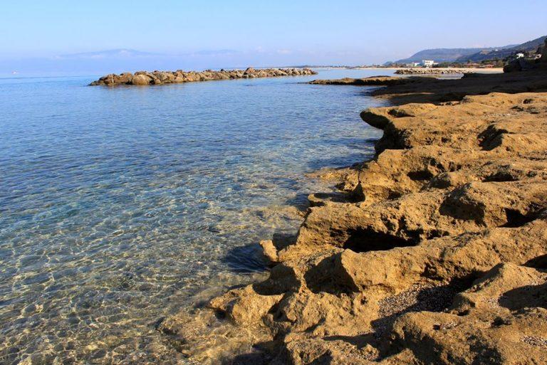 """La beffa del """"Malferà beach"""", l'oasi per disabili chiusa dal Comune di Pizzo"""