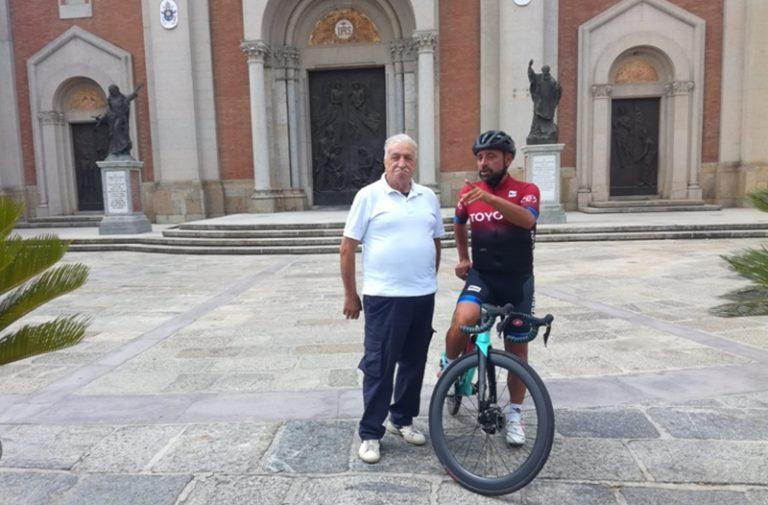 Giro d'Italia: a Mileto irrompe il ciclista pluridecorato Paolo Bettini
