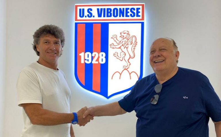 Calcio: Angelo Galfano nuovo allenatore della Vibonese