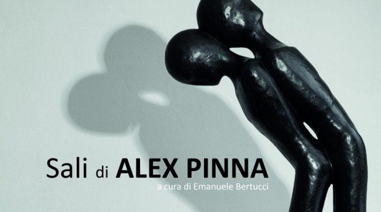 Porto di Tropea, le opere di Alex Pinna invadono i pontili