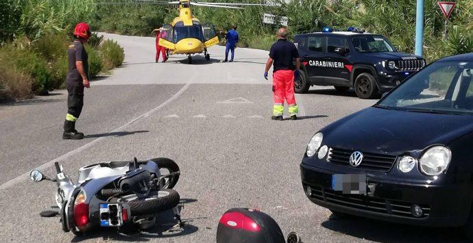 Scontro auto-scooter a Porto Salvo, interviene l'elisoccorso – Foto
