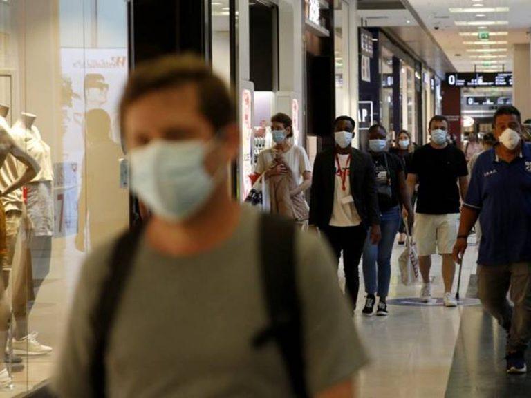 Coronavirus, nuova stretta in arrivo: attesa per l'annuncio di Conte