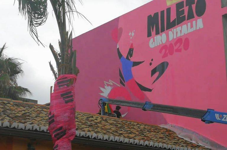 Giro d'Italia, un murales di Massimo Sirelli accoglierà i ciclisti a Mileto – Video