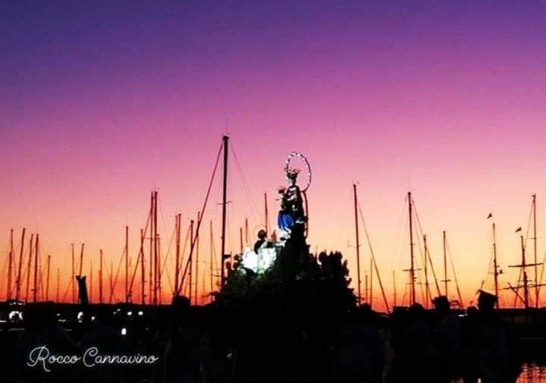 Anche senza processione a mare, Vibo Marina s'inchina alla Madonna di Pompei