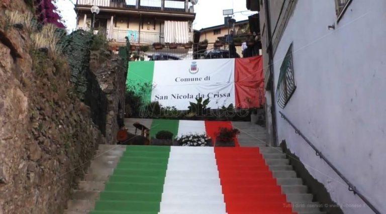 Don Manganiello tiene a battesimo la scalinata tricolore di San Nicola da Crissa – Video
