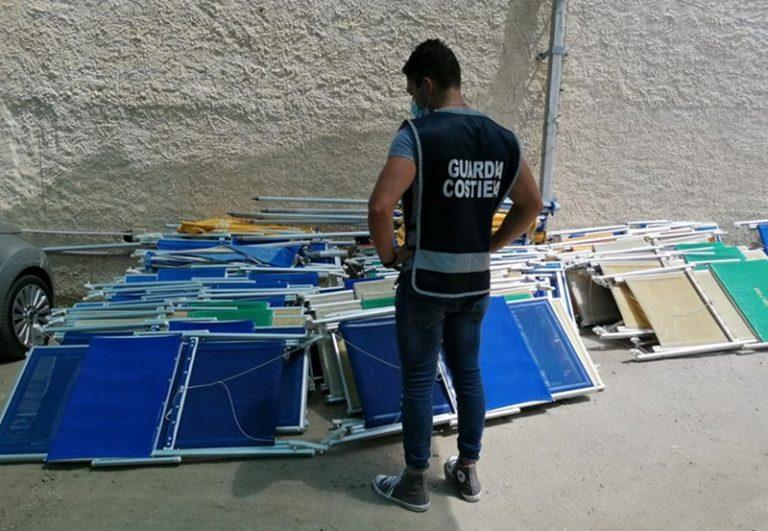 Baia di Riaci a Ricadi: Guardia costiera libera spiaggia occupata illegalmente