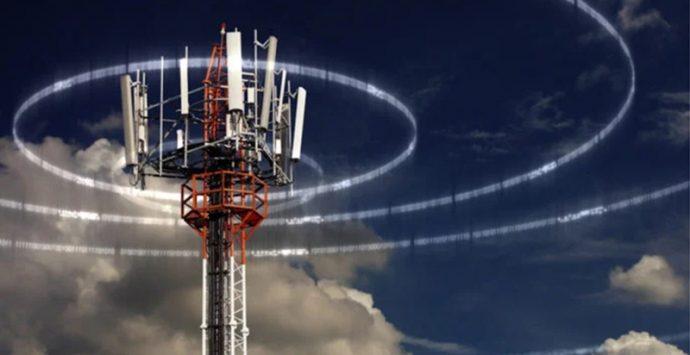 Antenna di telefonia a Coccorino, i cittadini chiedono l'accesso agli atti