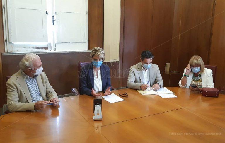 Rifiuti, l'appello del sindaco ai vibonesi: «Collaborate per superare le criticità» – Video