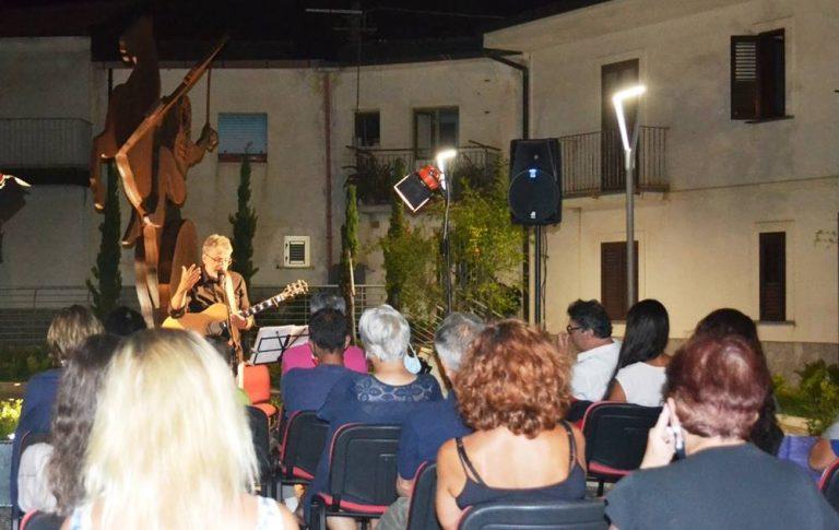 Zambrone, la Kermesse aramonese resiste all'insegna della cultura