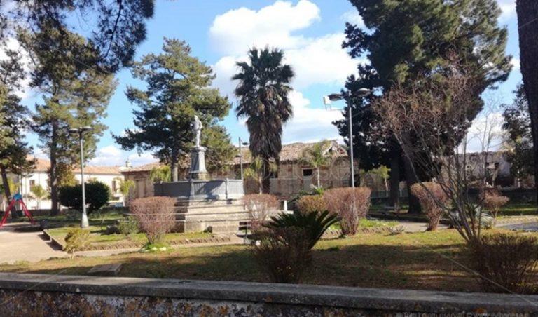 Mileto: l'area verde della villa intitolata a padre Raffaele De Lorenzo