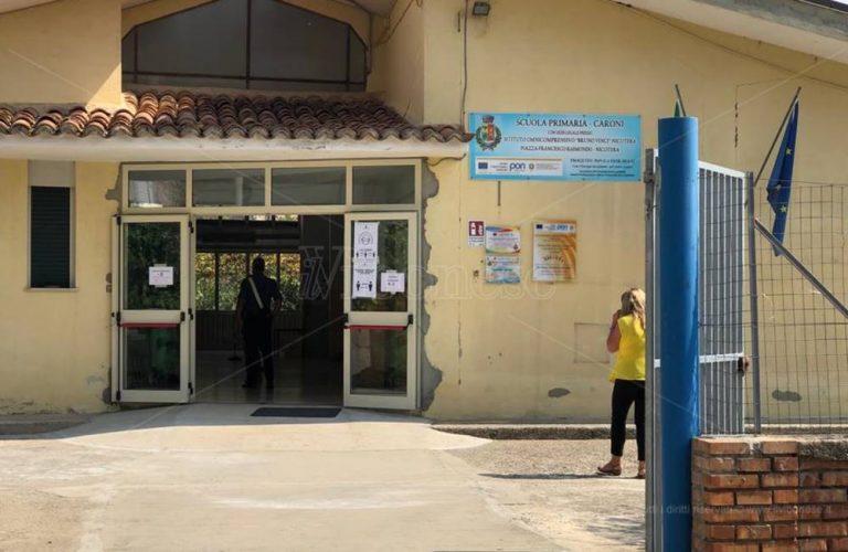 Collaboratore scolastico positivo al Covid, chiusa la Primaria di Caroni