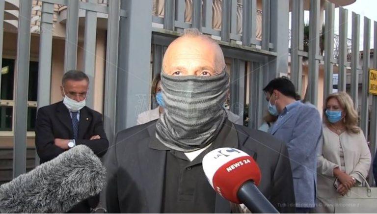 Capitano Ultimo rende omaggio alla Stazione carabinieri di Sant'Onofrio