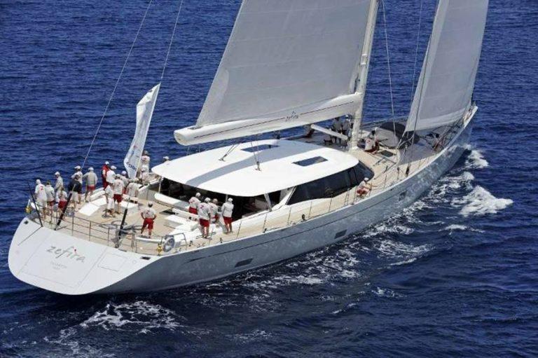 """Zefira, il """"miglior yacht a vela del mondo"""" in sosta a Vibo Marina"""