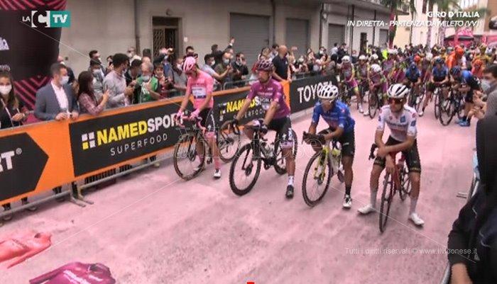 Il Giro d'Italia in Calabria, in diretta social la partenza di Mileto