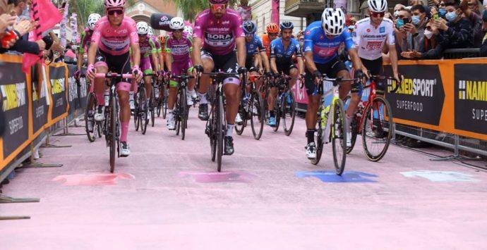 Giro d'Italia, il giorno di gloria di Mileto e l'impresa di Ganna in Sila