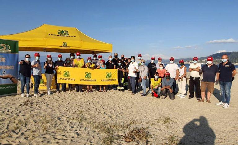Puliamo il Mondo a Bivona, volontari in campo contro plastiche e rifiuti
