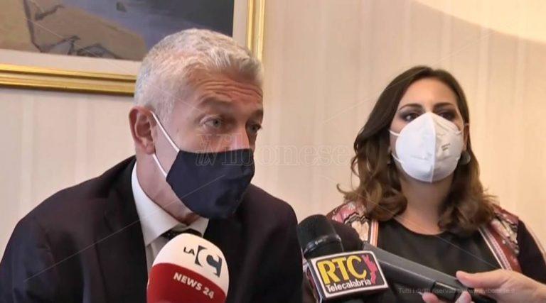 Commissione antimafia a Vibo, Morra: «Serve intervento forte dello Stato» – Video