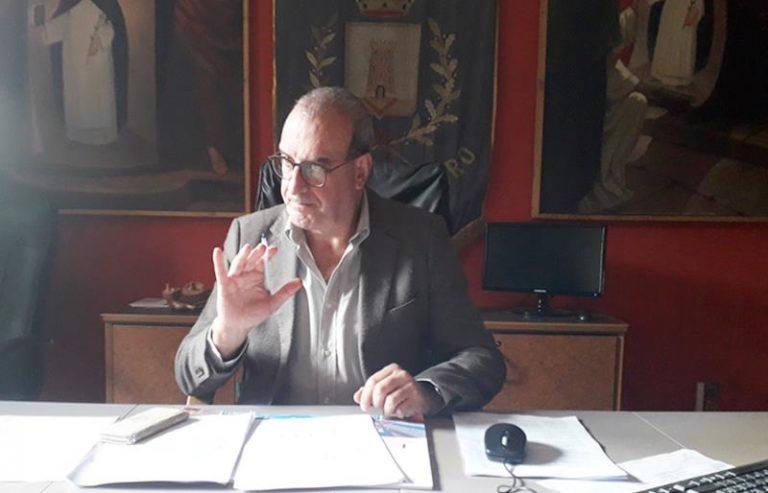 A Soriano il sindaco vuole le scuole aperte, ma che sia possibile non lo sa neanche lui