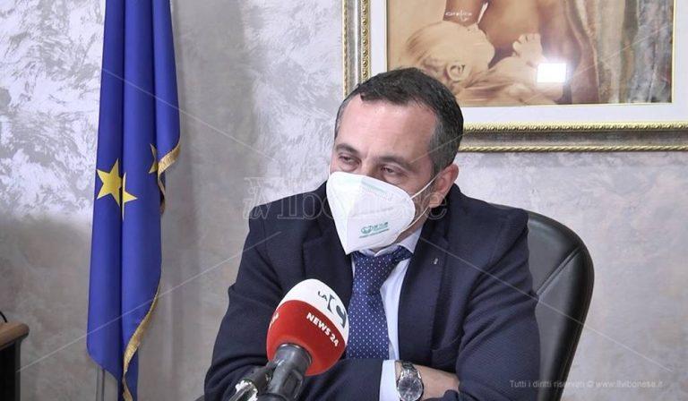 Ecografo per la prostata con le offerte Covid, Giuliano: «Cambio la delibera» – Video