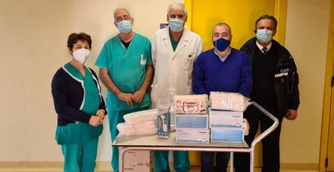 Il Comune di Nicotera dona al locale ospedale termometro laser e mascherine