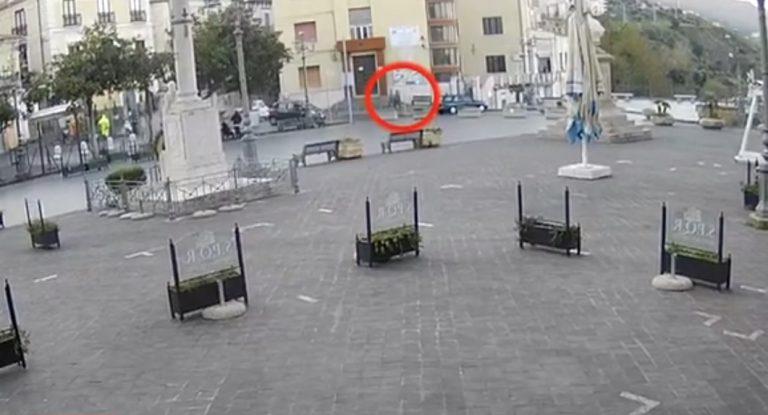 Rapina ai danni di un portavalori a Pizzo, ingente il bottino – Video