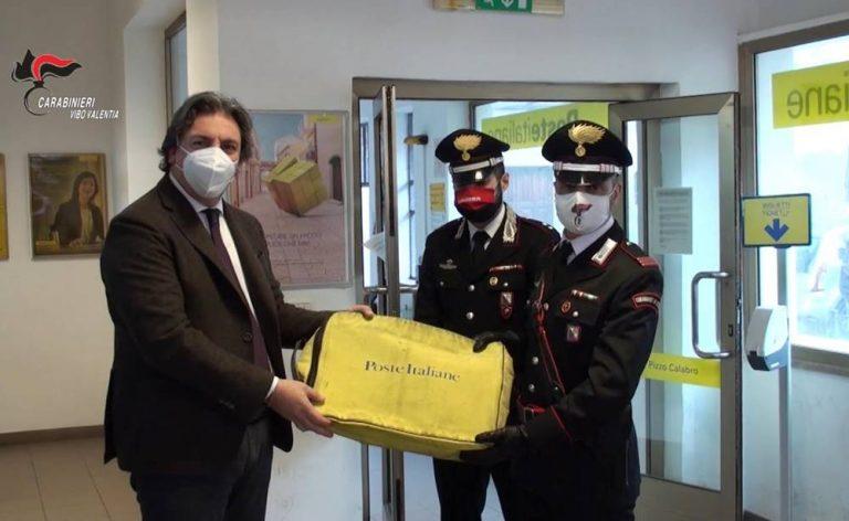 Rapina al portavalori a Pizzo, il denaro riconsegnato al direttore delle Poste – Video