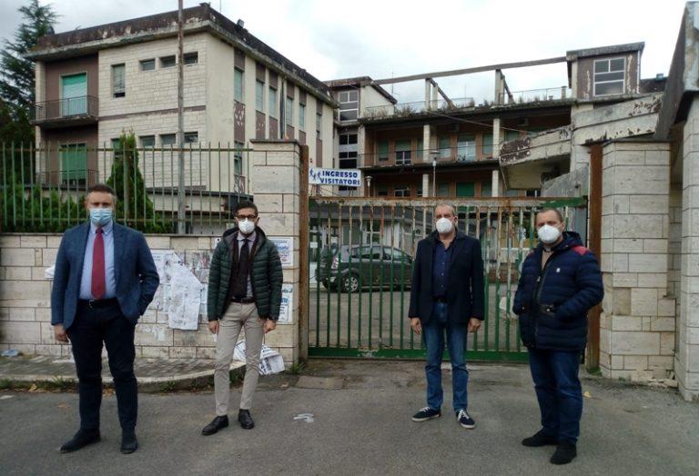 «Riapriamo l'ospedale di Soriano». Petizione popolare dei sindaci dell'Alto Mesima