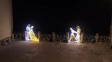Tropea, Comune e associazioni riaccendono il Natale – Video