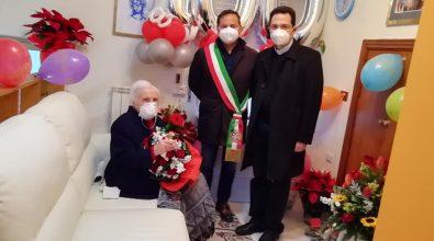 Ionadi, comunità in festa per i cento anni di nonna Maria Rosa