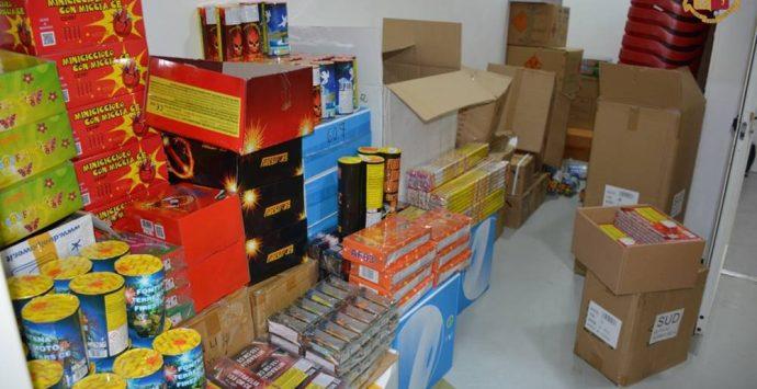 Vibo, vendita senza licenza: sequestrati 365 chili di fuochi d'artificio