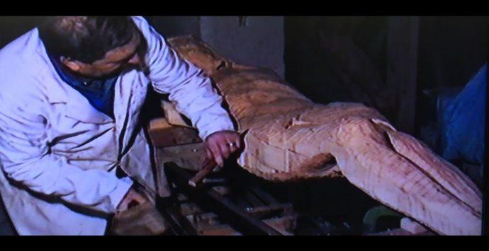 """Le opere di Raffaele Tucci, """"l'artista devoto"""" in un docufilm – Video"""